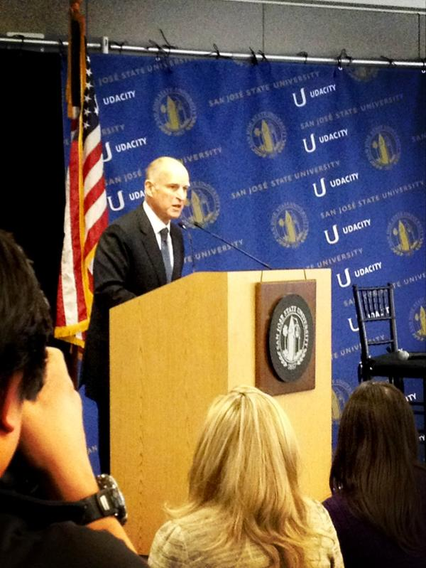 Governor Brown marks the momentous occasion between San Jose State and @Udacity #SJSUplus http://pic.twitter.com/ellpDA3r