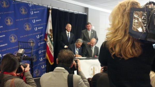 Gov Brown, thoughtfully quoting Robert Frost, makes case for innovation in online ed as SJ State Udacity ink deal. http://pic.twitter.com/K7ShwmBj