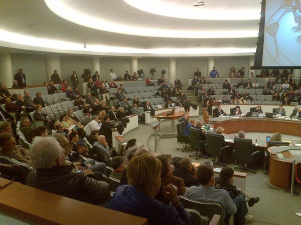 Still decent crowd on hand as Markham arena debate enters its final stages #sl #markhamarena http://pic.twitter.com/O4fLxFHg