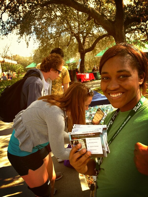 Yay @GoBoundless at #USF #CampusBattle @USFJClub http://pic.twitter.com/SZWcHV2x