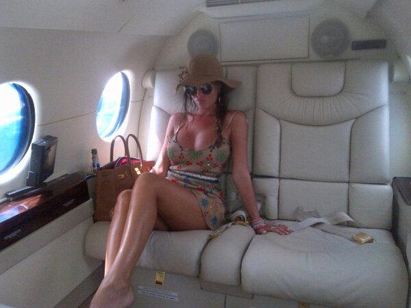 """@Karijelinek: Aterrizando a Bs. As!!! ☺ pic.twitter.com/jxYnD5gJka"" // Cuando viejo en el Urquiza para Hurlingham soy igualita!!"
