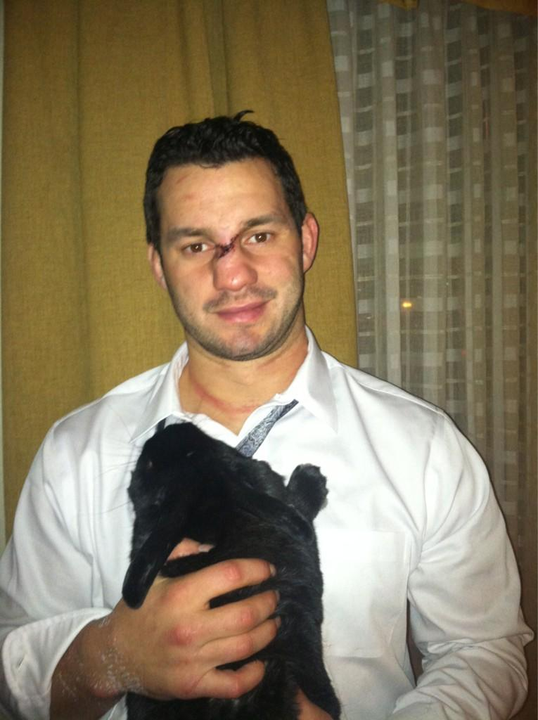 Wild center Zenon Konopka tweets pic of his 30 stitches...and his pet bunny (Photo)