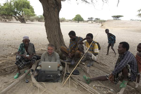 Editing in a wonderful office of roots in Afar region of #Ethiopia. @VIIPhoto @NatGeoMag @outofedenwalk @ThinkTANKphoto http://pic.twitter.com/6VS2QpYR