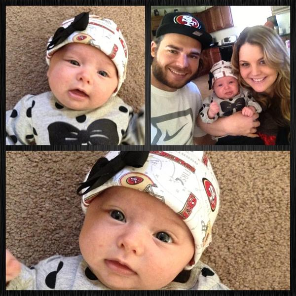 Go #49ers with @bcraw35 and Braylyn :) 🏈😊❤💛 http://pic.twitter.com/ZkY2yDuG