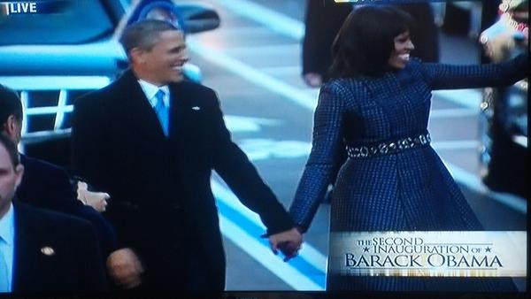 The President and First Lady walking the parade route! #Obama #WeThePeople #Inaug2013 http://pic.twitter.com/uuFnhee7