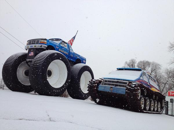 BIGFOOT 5 and Fastrax out in the snow today http://pic.twitter.com/YbSS2LmH