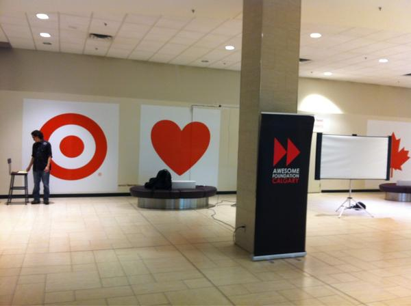 Setting up for #AWEyyc Top4 $1K Thursdays here @ChinookCentre @awesome_calgary #sceneYYC http://pic.twitter.com/v8KlzMZF