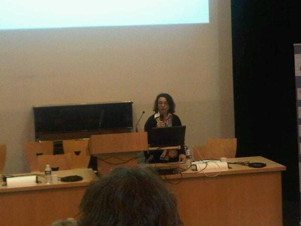 Marie-Madeleine Bertucci nous parle de diversite linguistique, obstacle a l'égalité #EetDAix2013 http://pic.twitter.com/0csOopLq