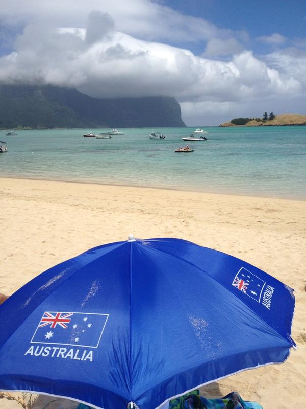 Loving life lagoon side on #lordhoweisland! Local sandcastle comp about to kick off. #AustraliaDay #ozdayabc http://pic.twitter.com/l8HcHLey