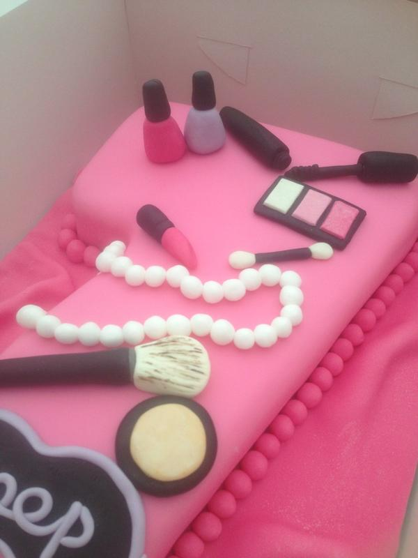 Kellys Cupcakes On Twitter Number 7 Cake For A Pamper Party