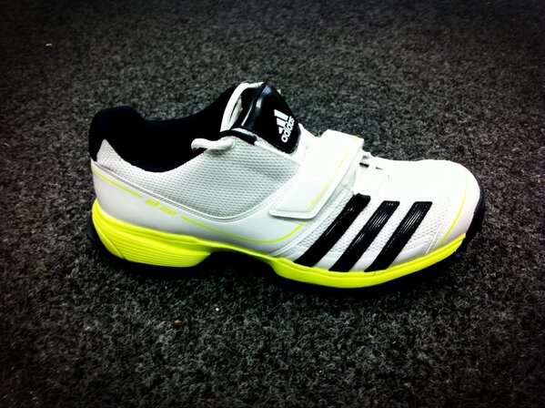 The #adidas SL22 Cricket Shoes are a