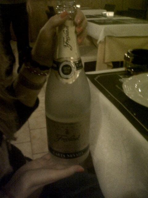 #theangelshare no hace falta emborracharse para disfrutar de la bebida http://pic.twitter.com/ZrCJB1mF