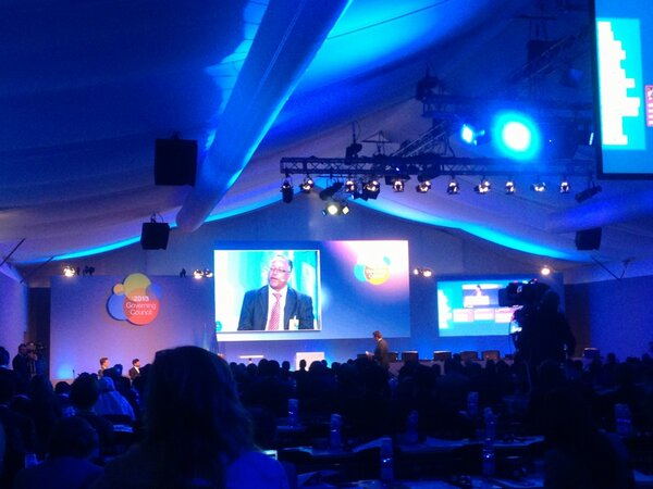 #ifadgc Panellist Tadesse Meskela shares his experiences. Background info here http://bit.ly/11O5HPx http://pic.twitter.com/snB8lXHv