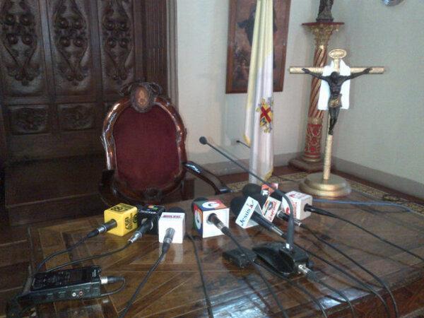 En breve Arzobispo Metropolitano de #Guatemala ofrecerá declaraciones por renuncia del Papa Benedicto XVI http://pic.twitter.com/nlx3e91R