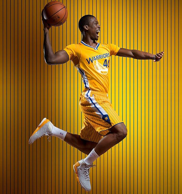 Warriors Jersey's are DOPE http://pic.twitter.com/Mw30Wurg