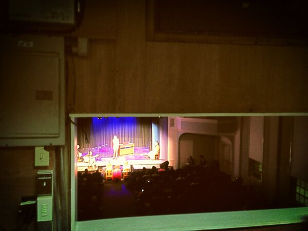 The view from the sound booth at Idol @LindseyWilson #lindseyidolweek http://pic.twitter.com/UcZkBap7