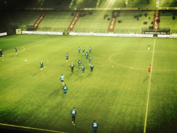 [23e journée de L2] SM Caen 1-0 Nîmes Olympique - Page 3 BCCaz67CIAAsi4h