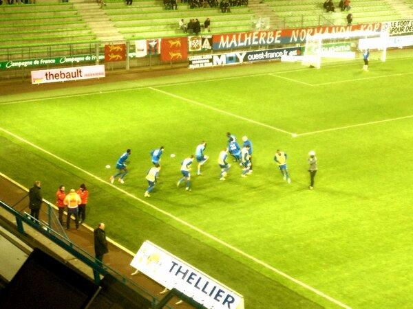 [23e journée de L2] SM Caen 1-0 Nîmes Olympique - Page 3 BCCc3_NCUAAY6F6