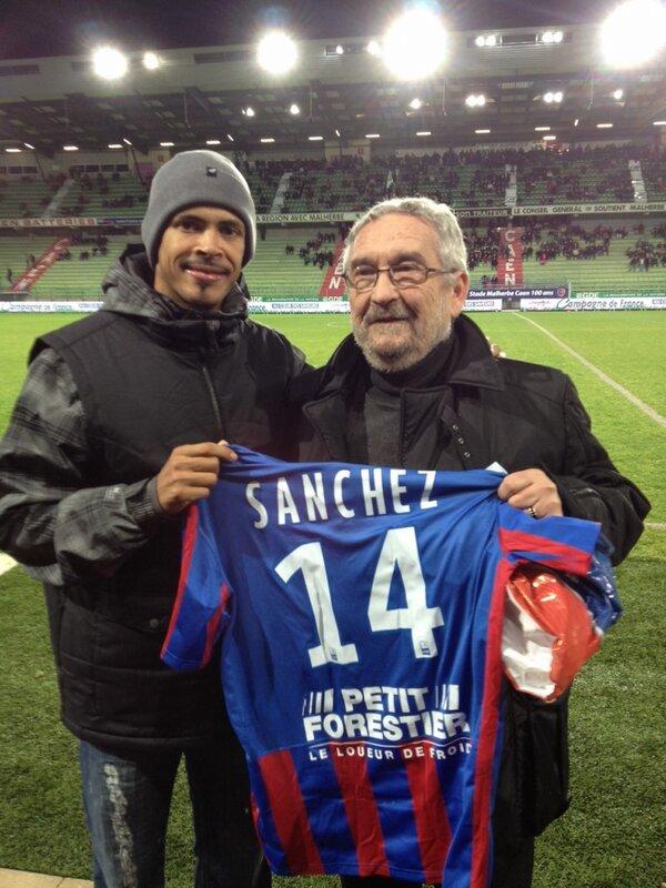 [23e journée de L2] SM Caen 1-0 Nîmes Olympique - Page 3 BCCiYLxCcAErH1f