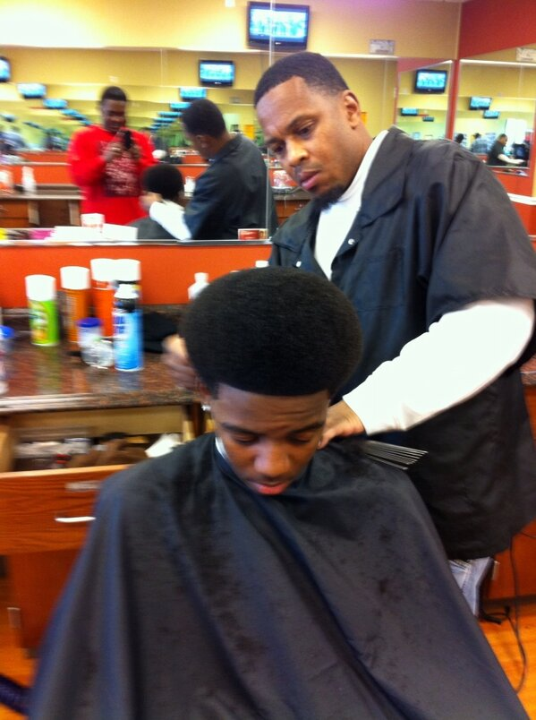 Christopher Curlett On Twitter Steve Harvey Look Out This Hair Cut Is Classic Steve Harvey From Back In The Day Http T Co Dgv0ynh5