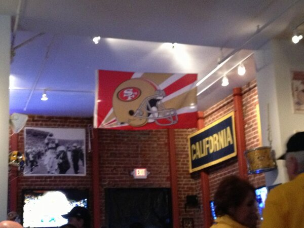 Pappy's on Telegraph is ready for Super Bowl tomorrow. #QuestforSix #GoNiners http://pic.twitter.com/4AsrADkx