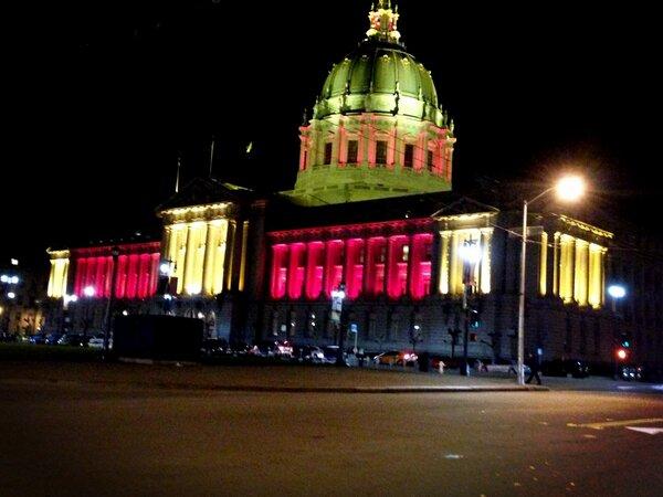 Ready 4 #SB47 !! City cruisin w/@PEACEJENNLOVE @KristinaRaeann #goldblooded #49ers #CityofChamps #QuestforSix #G35 http://pic.twitter.com/12N3JS9k