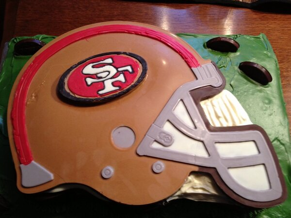 @JedYork @49ers #49ers cake for the big game! http://pic.twitter.com/6vPHD9S7