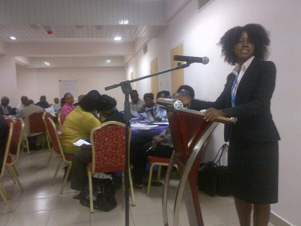 Nana Mensah Abrampah @usaidhciproject skillfully leads knowledge cafe on @salzburgglobal seminar 489 #isquaghana http://pic.twitter.com/Pp9M5SFy