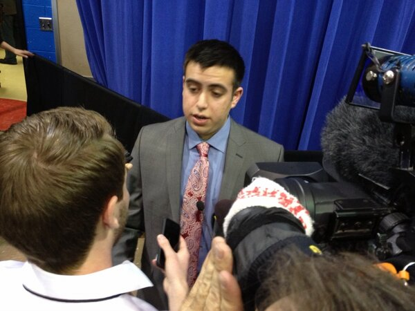 Sami Rahamim, son of slain Accent Signage owner, speaks to press about gun violence roundtable with Pres. Obama #potus http://pic.twitter.com/y7VMBYdW