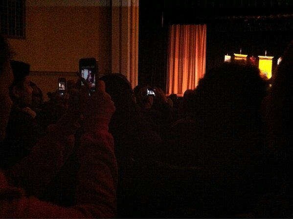 Many people from the audience take pictures as Spike Lee graces the stage. #SpikeatMurrayState http://pic.twitter.com/XXaIHTic
