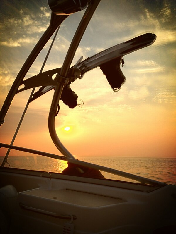 I do like the snow... But I'm ready for this!! #warmsummernights #tikibar #wakeboarding #alldayontheboat http://t.co/IZ9Op23E