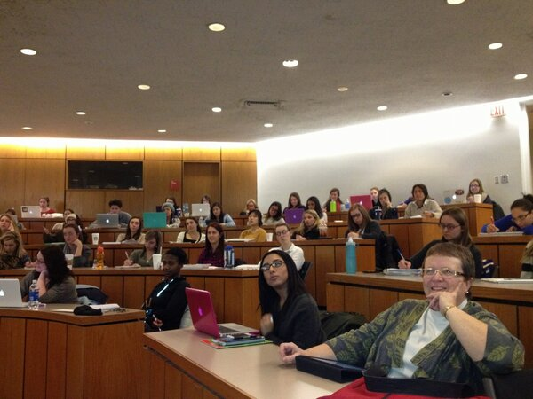 Faculty and students packed the room to hear words-of-wisdom tonight. #HRRoundtable http://pic.twitter.com/uDcEb8G2