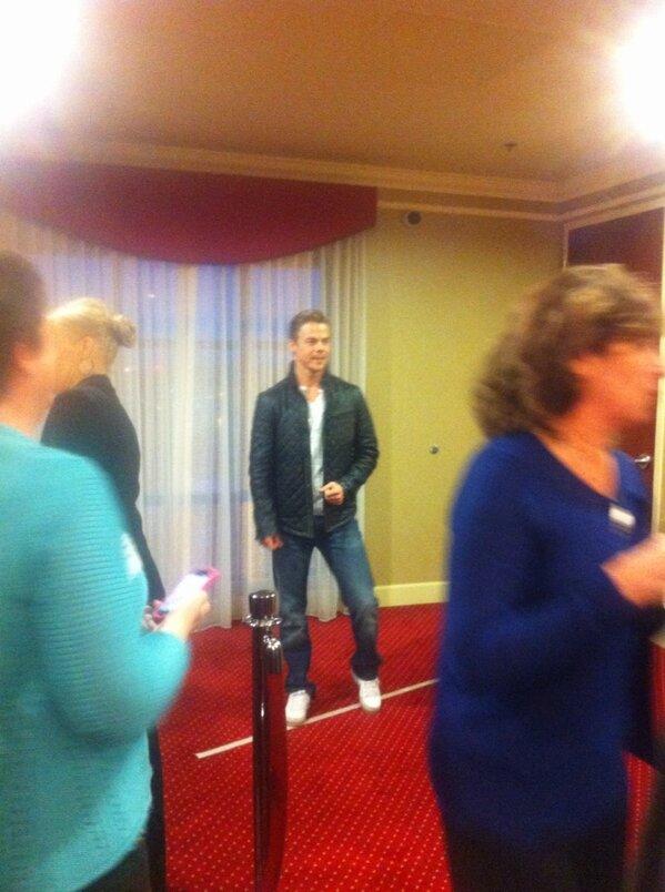 RT @Elara38: hmmm.. wow... RT @zaglion: Derek hough... spotted #seattle http://pic.twitter.com/L4yaouSZ