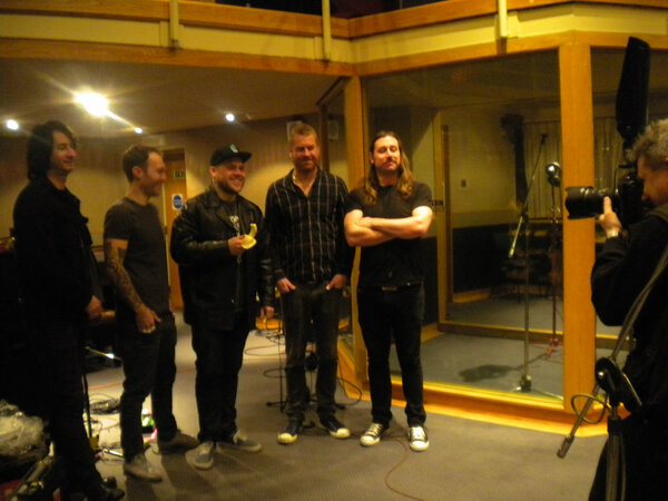 Posing for the camera..... @the_bronx @Radio1PunkShow #AAA http://pic.twitter.com/sIwB9hjS