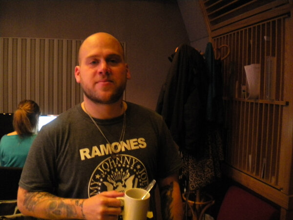 Matt from @the_bronx keeping his vocal chords happy with a soothing hot drink.... #AAA http://pic.twitter.com/sx7y7cKJ
