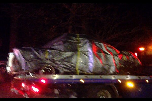 @jessebgillcrime: PHOTO: Chris Dorner's burnt-out Nissan Titan, on the way to the crime lab: http://twitter.com/jessebgillcrime/status/299792000427896832/photo/1 http://pic.twitter.com/g1KQ0jN4