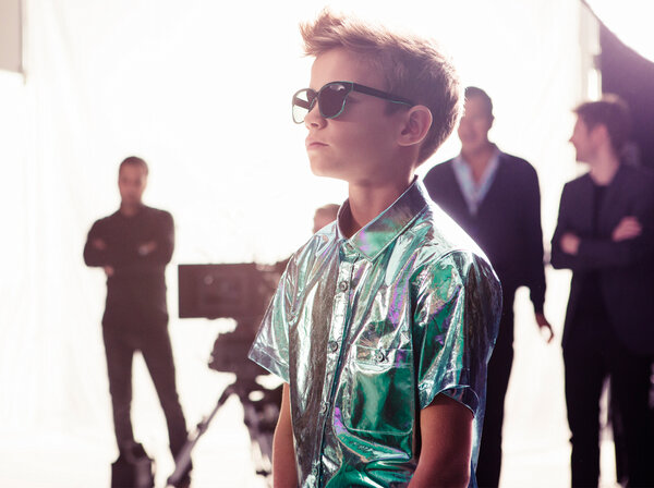 """de01371c212a Romeo Beckham wearing @Burberry Splash sunglasses and runway metallics on  the set of the S/S13 campaign shoot pic.twitter.com/iXEkYx6M"""""""