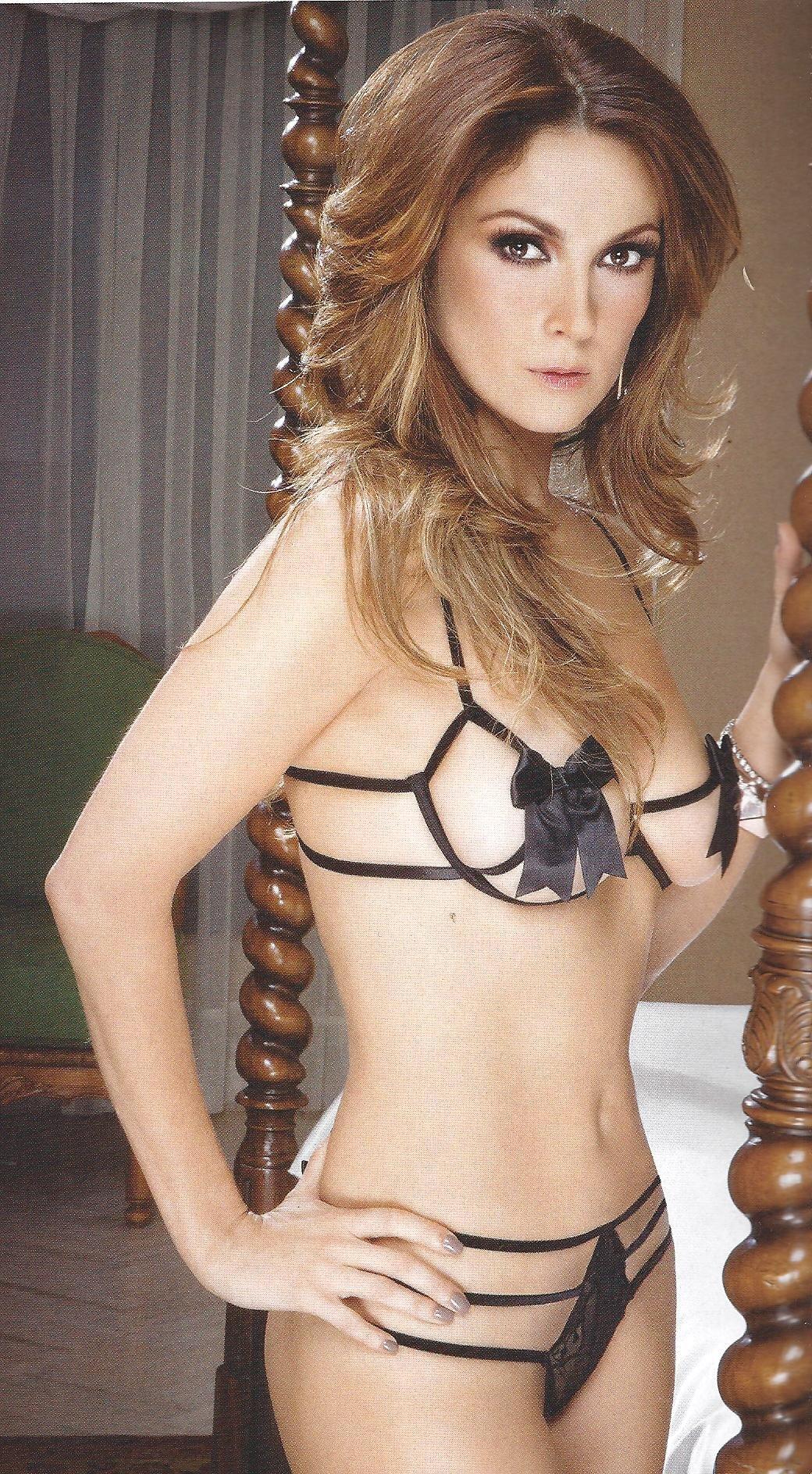 Nora Salinas Nude Photos 71