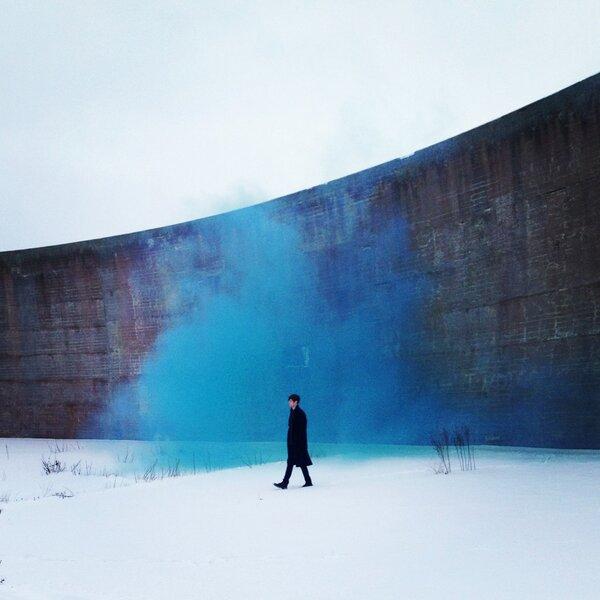 "James Blake Releases ""Retrograde"" Music Video"