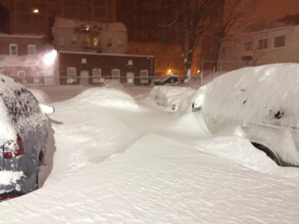 my car is buried! #wxedge http://pic.twitter.com/Juh7xXQG