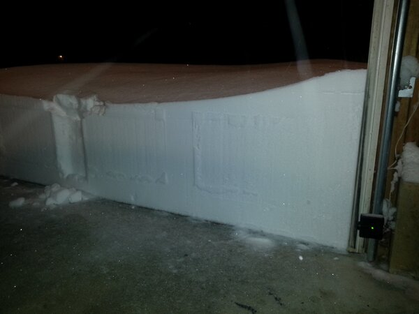 RT @wxjerdman: Imagine seeing this opening your garage?  Via @iWitnessWeather contributor Lee Sharpe. #blizzard http://pic.twitter.com/ym42MpJJ