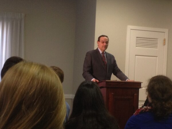 @mayorvincegray speaking at the DCYAFL Summit! Commenting on DC pluralism and multiculturalism #DCFaith http://pic.twitter.com/XWC2i00G
