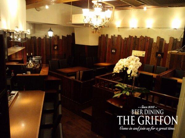 本日「THE GRIFFON 新宿」OPENいたします。これもひとえに皆さまの御愛顧の賜物と感謝いたしております。今後ともよろしくお願いいたします。東京都新宿区歌舞伎町1-2-1 ナインティー新宿ビル B2F http://t.co/ubv1PENj