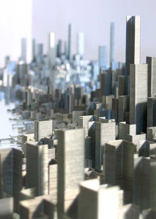 【すごい】ホッチキスの針だけで作った大都市の光景に感動