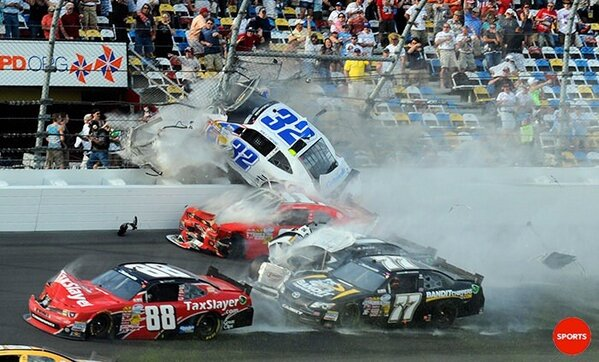 Just look at the people by the fence: Speechless. (USA Today Pic) http://pic.twitter.com/Gkt7xQZ2Cg  #Nascar