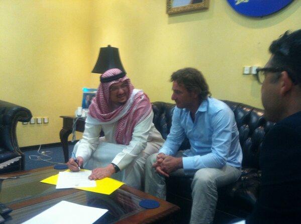 رسمياً النصر السعودي يمدد مديره