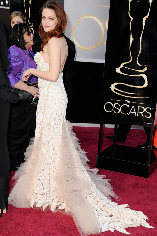 Great shot :) RT @YahooOmgUK: Kristen Stewart looks DREAMY on the#Oscars2013 red carpet http://t.co/BPPQ1qS3ES