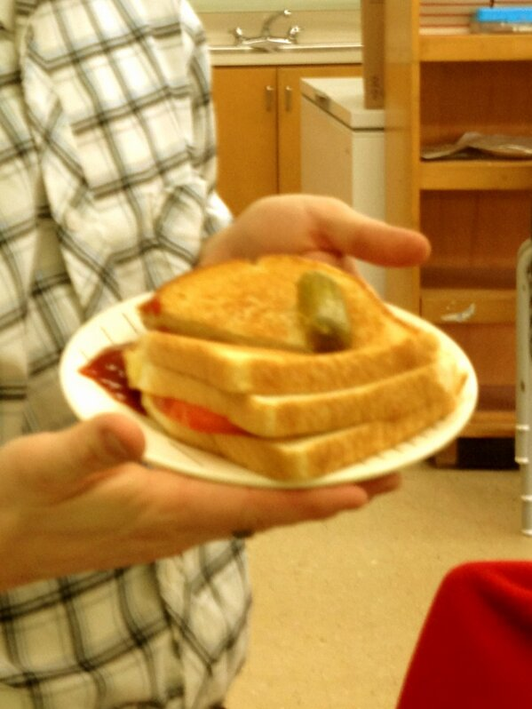 A treat I made (for me) to celebrate the end of my #1stTimeFS - triple decker grill cheese w tomato! Yummy! http://pic.twitter.com/5jZRPXnOwn