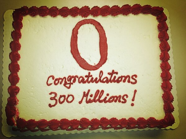 The Opera US office just had the 300 million cake! #opera300 #ignoretypos http://pic.twitter.com/E6Wl32Rg