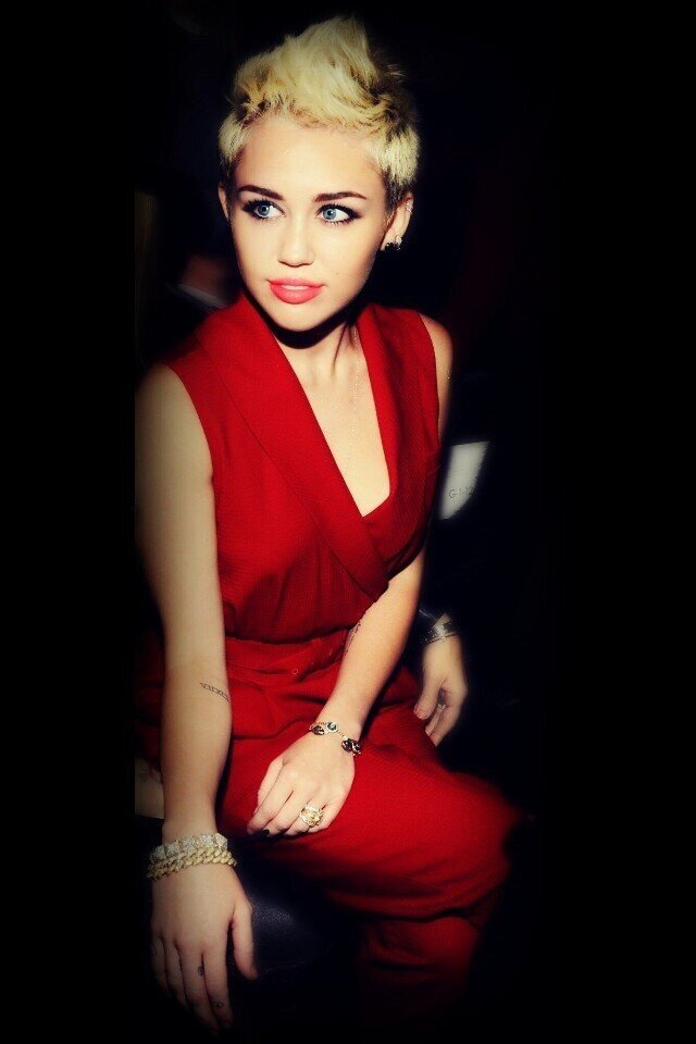 "Miley Ray Cyrus on Twitter: ""Love to the fabulushhhh ..."